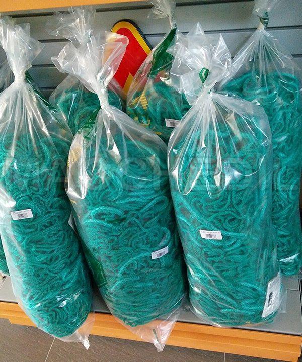 Rete anticaduta verde da ponteggio