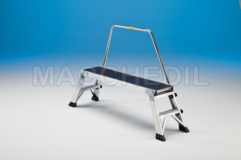 Sgabello in alluminio per lavori a bassa quota macchedil